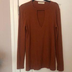 Long sleeve light sweater